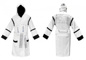 Star-Wars-Stormtrooper-Bathrobe-650x458