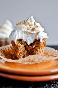 sweet-potato-pie-cupcakes-with-marshmallow-frosting