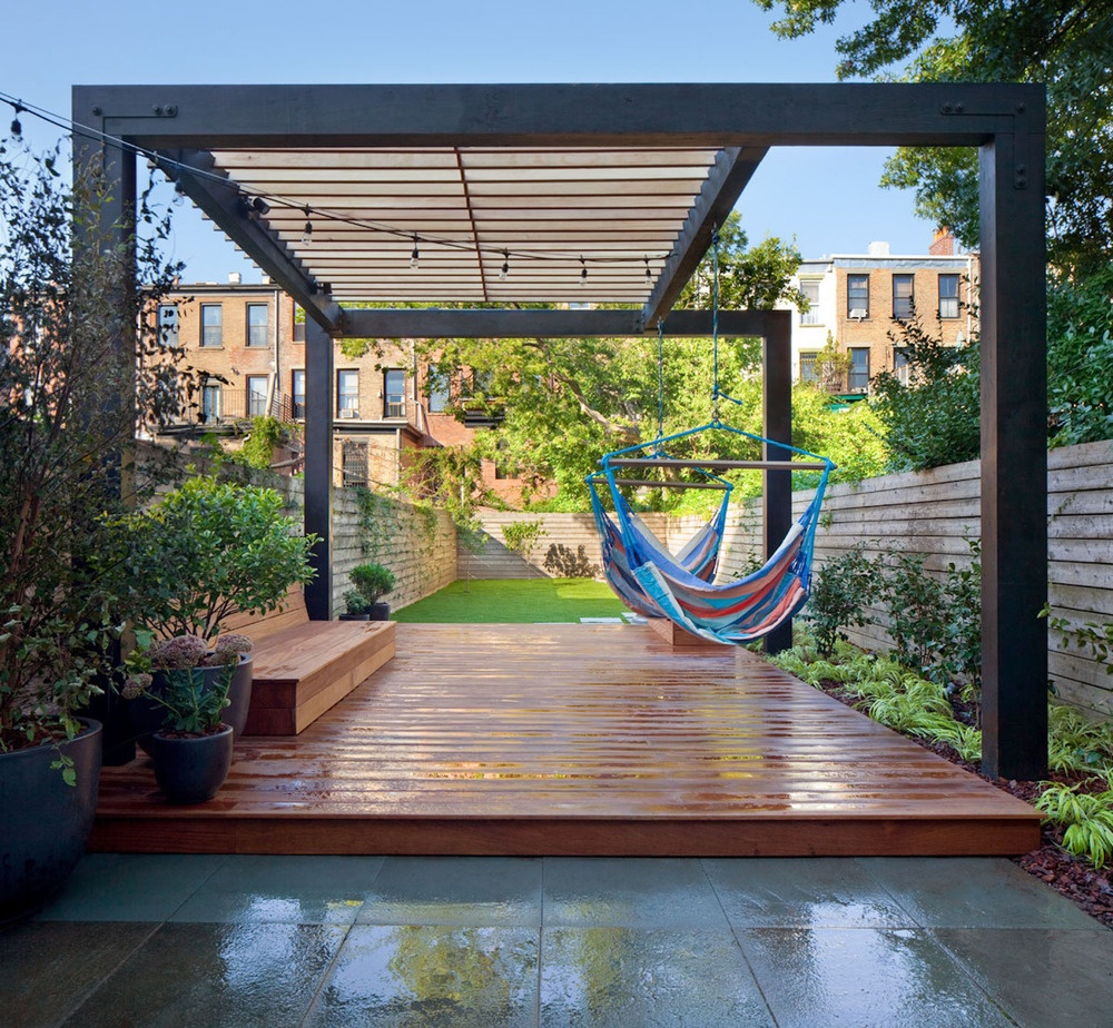 15 Not-So-Obvious Ways to Maximize Your Narrow Backyard on Long Narrow Backyard Design Ideas id=98650