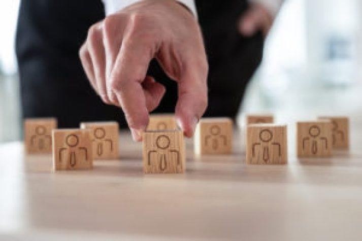 A escassez de mão de obra entre a sosftware houses é comum, entenda porquê.