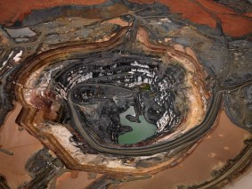 Gallery: Edward Burtynsky's extraordinary images of manufactured landscapes