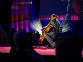 Lionel Richie, Billy Joel, cello and beatboxing: Kevin Olusola at TED2014