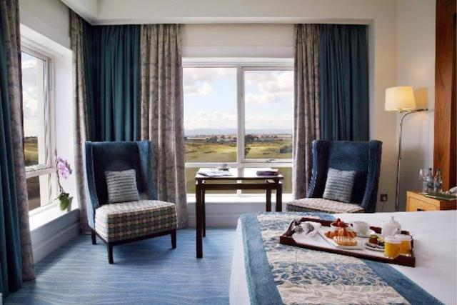 Deluxe Room Golf View Potmarnock Package - Ireland