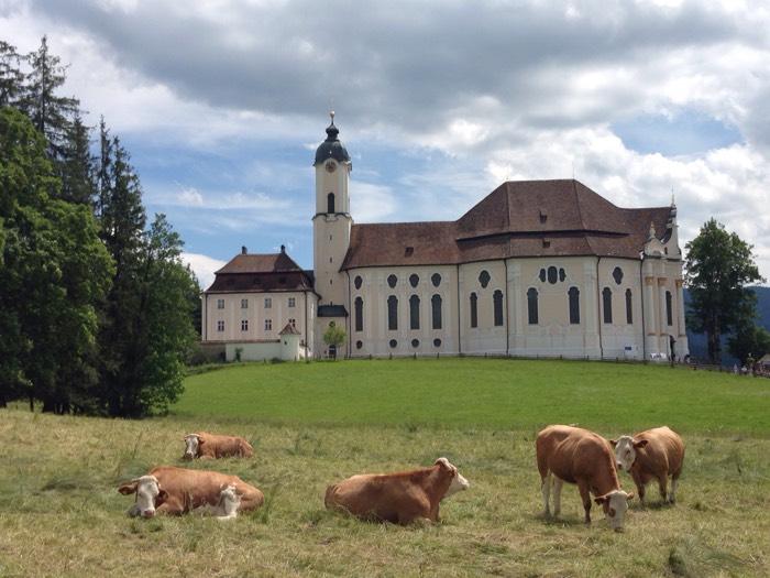 鞭打たれるキリストの伝説が残る、ヴィース教会。