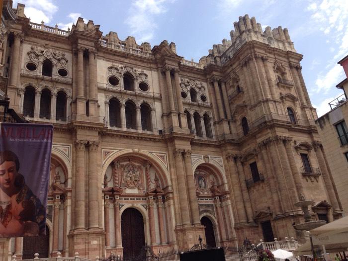 ゴシック、ルネサンス、バロック様式が混在する、マラガ大聖堂。