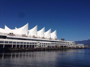 世界初めての3DIMAXシアターを導入したそうです。 クルーズ客船の主要ターミナルでもあり、ここからアラスカへも出港しています。 カナダプレイスは1986年に開催されたバンクーバー国際交通博覧会の時にカナダのパビリオンとして建てられました。