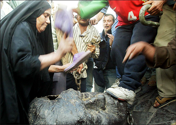 Saddam Statue Shoe Attack