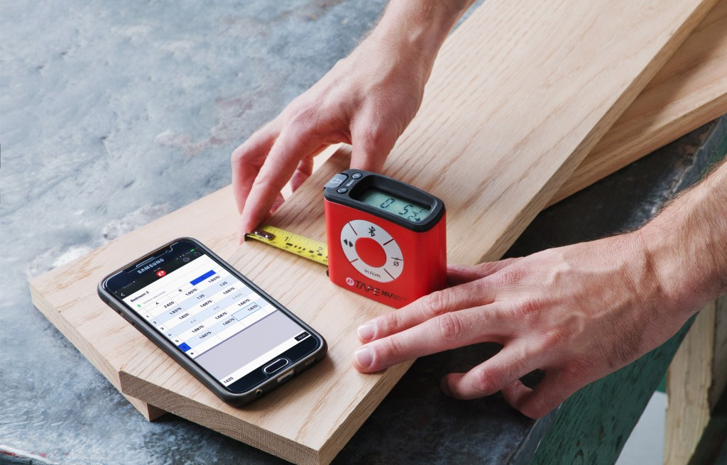 eTape16 digital tape measure, measure 2x4s with your smartphone