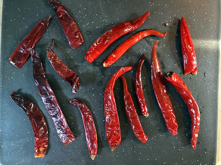 Sichuan er jin tiao chilies