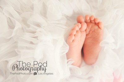 baby-feet-tutu