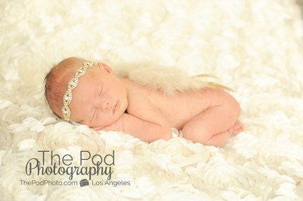 newborn-baby-with-angel-wings