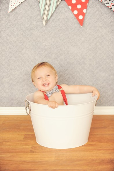 Best-Baby-Photographer-Pacific-Palisades-Studio-Portrait-Session-First-Birthday-Cake-Smash-Bucket-Flags