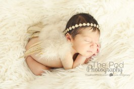baby-with-angl-wings-sleeping-angelic-los-angeles-creative-photography