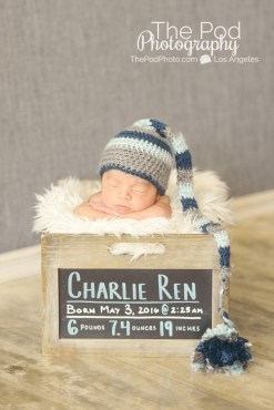 baby-baby-pitures-stat-box-long-hat-boy
