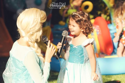 Happy-Birthday-Frozen-Theme-Disney-How-to-Photograph-A-Birthday-Party-Hollywood-Kids-Party-Photographer-The-Pod-Photography