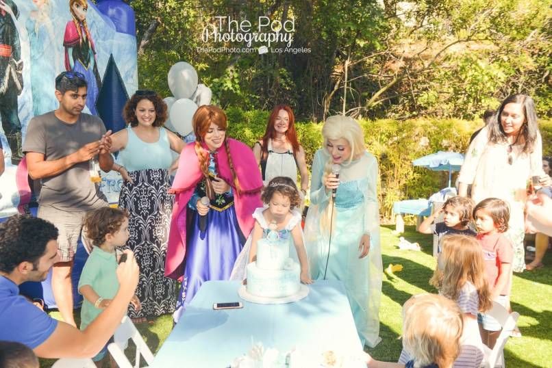 Happy-Birthday-Cake-Candles-Frozen-Theme-Disney-Princesses-How-To-Photograph-A-Birthday-Party-The-Pod-Photography-Hollywood-Party-and-Events-Photographer