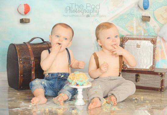 twin-first-birthday-cake-smash