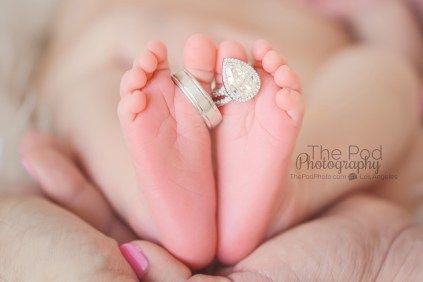 unique-rings-n-toes-newborn-picture