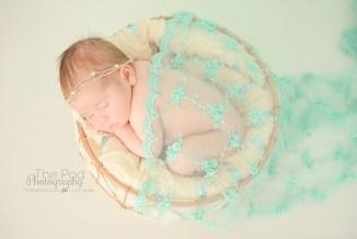 best-newborn-photographer-los-angeles