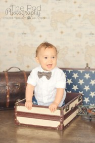baby-photography-suitcase-trunks
