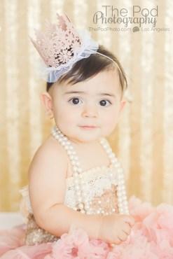 sweet-baby-girl-cake-smash-photoshoot