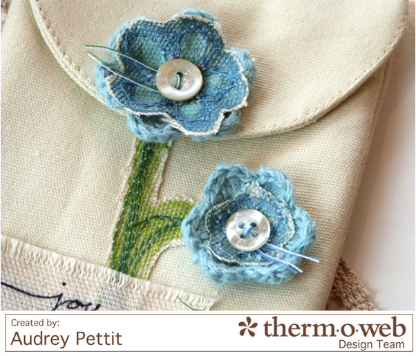 AudreyPettit Thermoweb DecoFoil JoyWristlet3