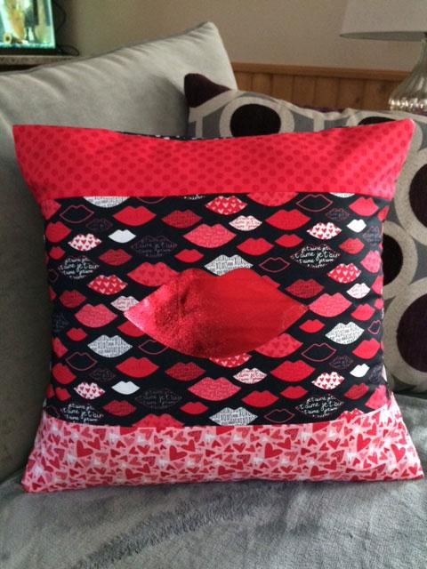 Kissy-Pillow