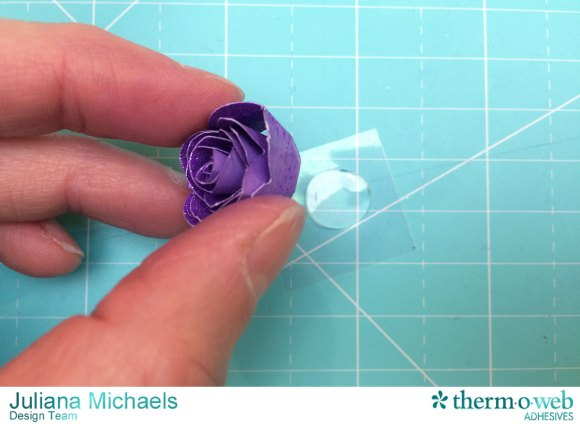 Scallop_Frame_Glitter_Dust_Rose_Tutorial_Therm_O_Web_Adhesives_Juliana_Michaels_6