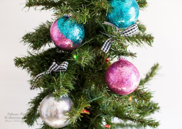 rk therm o web glitter christmas ornaments (1 of 5) copy