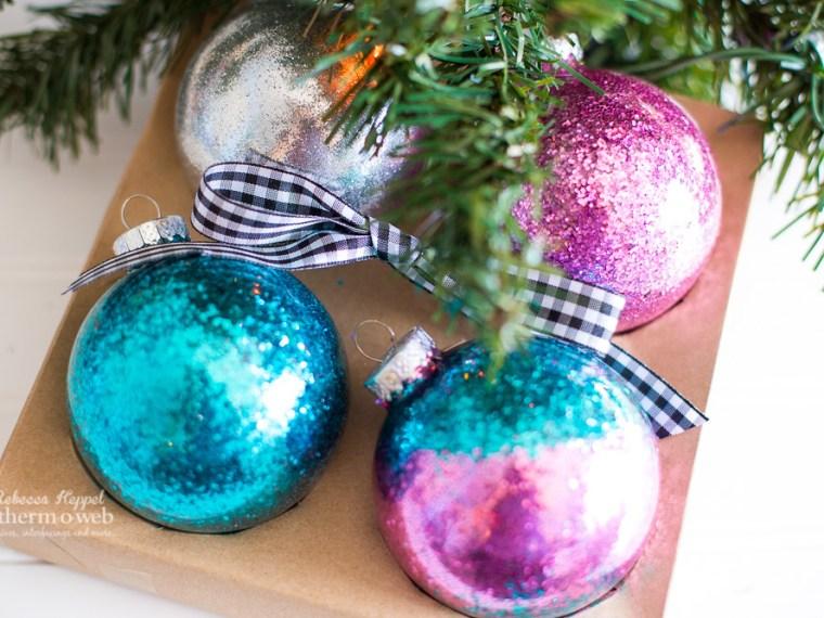 Quick, Easy, No-Mess Christmas Ornaments