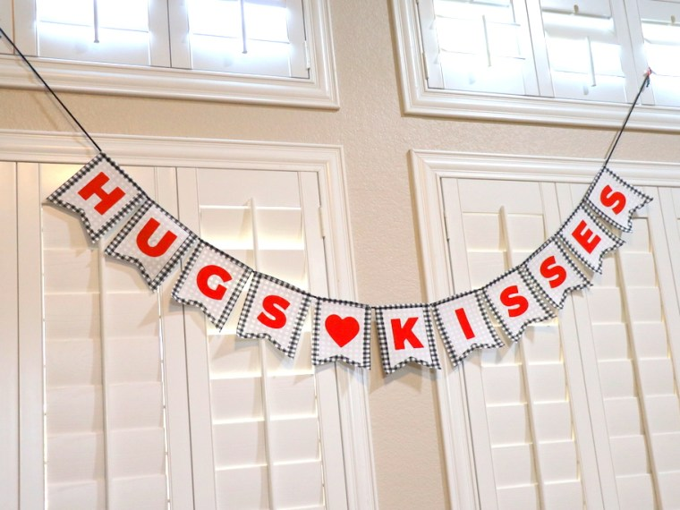 Hugs and Kisses Fabric Banner