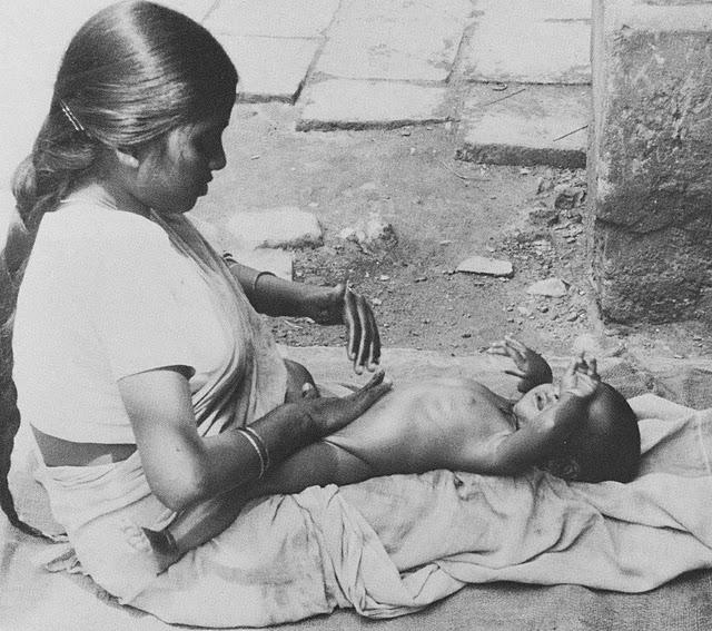 Massagem Shantala, interação total mãe-bebê