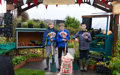 Thompson & Morgan donates flower seeds to local charities