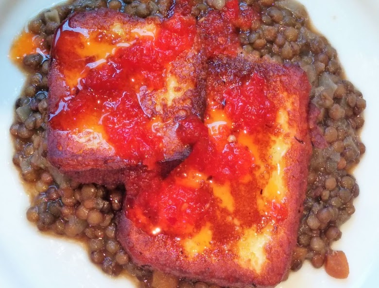 Jane's fried halloumi with lentils and sweet chilli