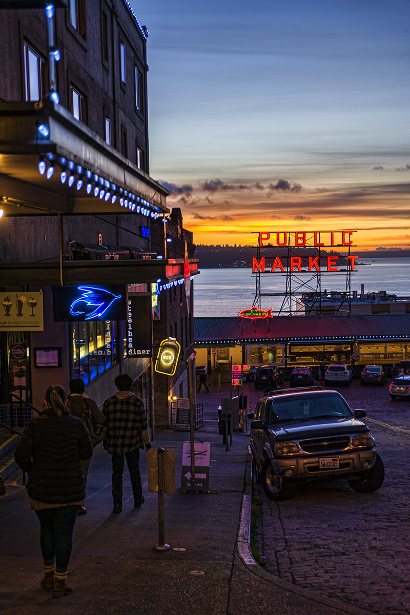 Sunset on Pine Street near Pike Place Market, Downtown Seattle. (December 17, 2020).