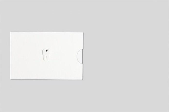 26_businesscarddentist1f_v2-550x366