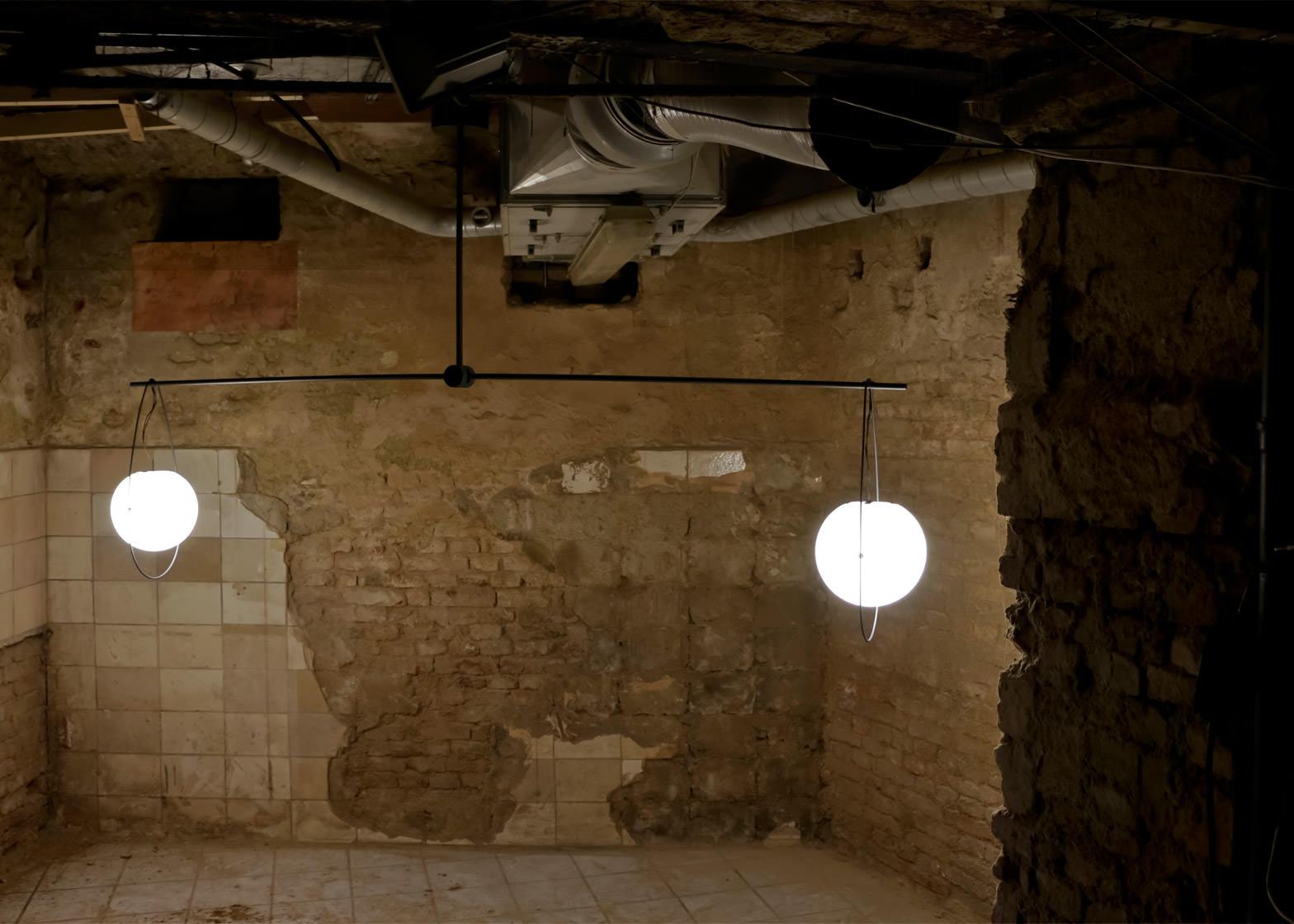 equilumen-mischer-traxler-light-distribution-glas-sphere-design-lighting-motion_dezeen_1568_5