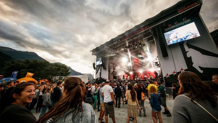 Open Air Gampel: Ein Festival vor beeindruckender Bergkulisse.