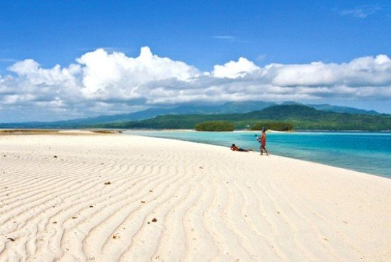 Pulau Pombo di Ambon via nationalgeographic.co.id