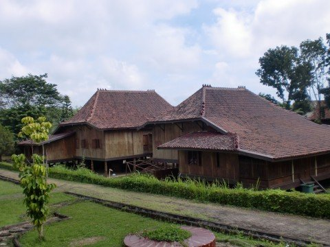 Rumah Limas, Museum Balaputra Dewa, Palembang Sumber : blogdetik.com