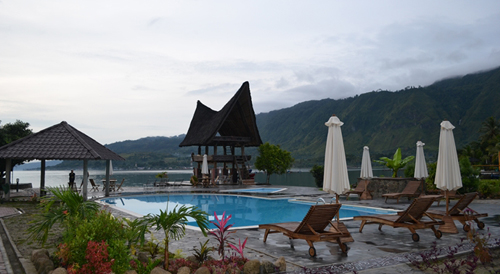 tempat wisata danau toba - hotel toba