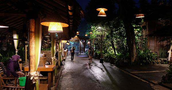 Kuliner Bandung - Kampung Daun