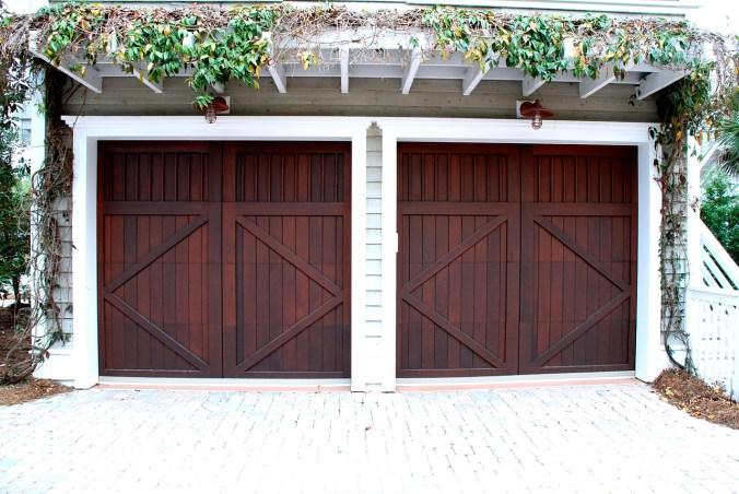 garage-door-2578738_1280