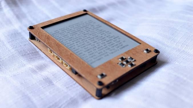 Blog do Tindie | DIY Multilingual Ebook Reader PCB 2