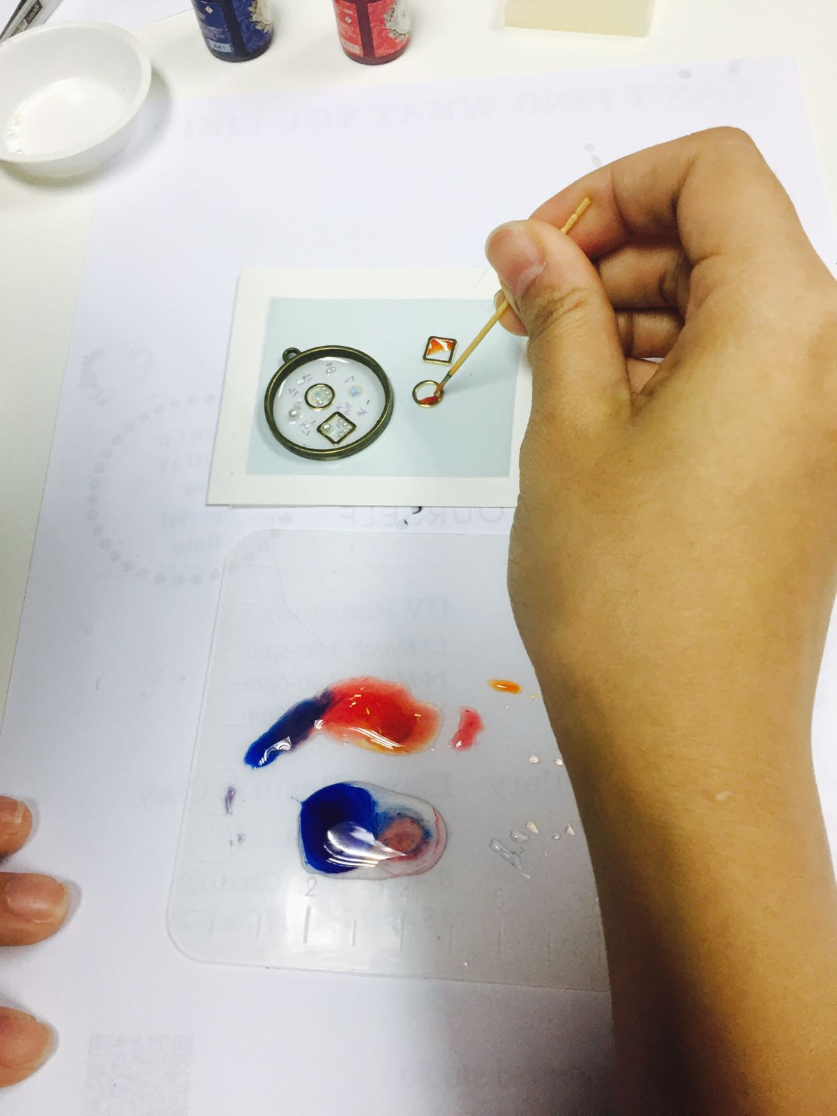 Making Resin Accessories with Odoroki Studio