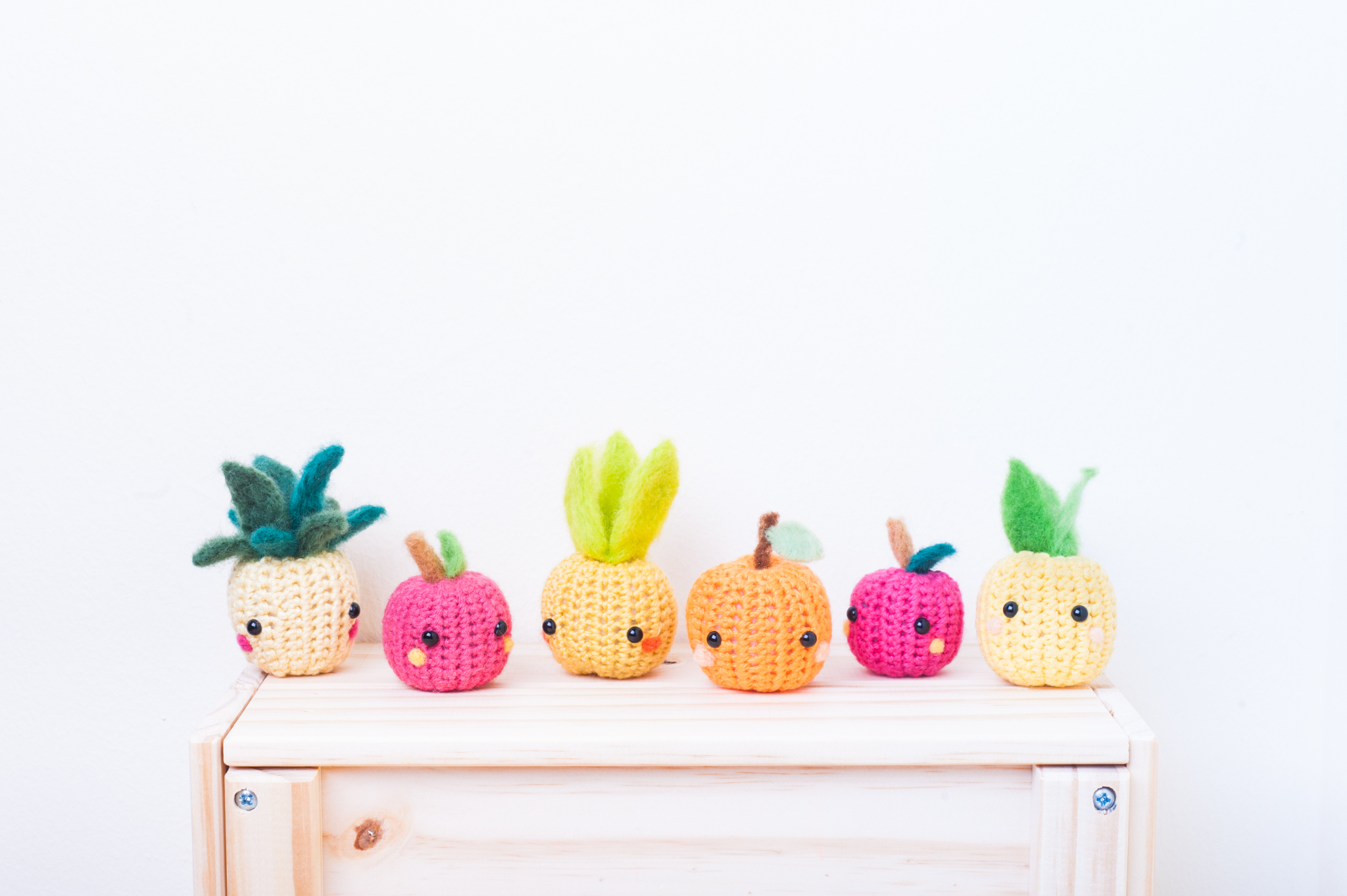 tiny rabbit hole - Learn how to felt a fruits buffet material kit in our chinatown studio.