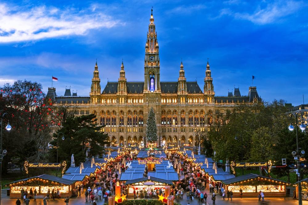 Rathausplatz Christmas market in Vienna