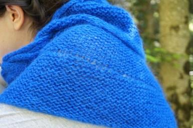 Eider, châle au point mousse avec une bordure torsadée, version unie