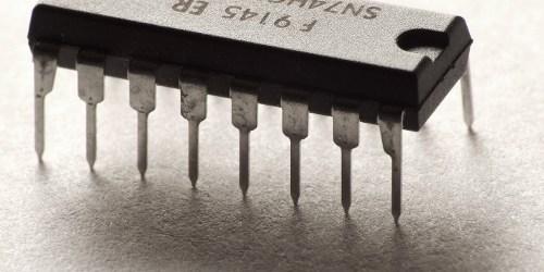 Supercomputer brauchen viel Energie, die sie als Wärme freisetzen. Eine Studie aus der theoretischen Physik zeigt nun Erstaunliches: Beim Löschen gespeicherter Daten könnte die Wärmebildung vermieden und im Idealfall sogar […]
