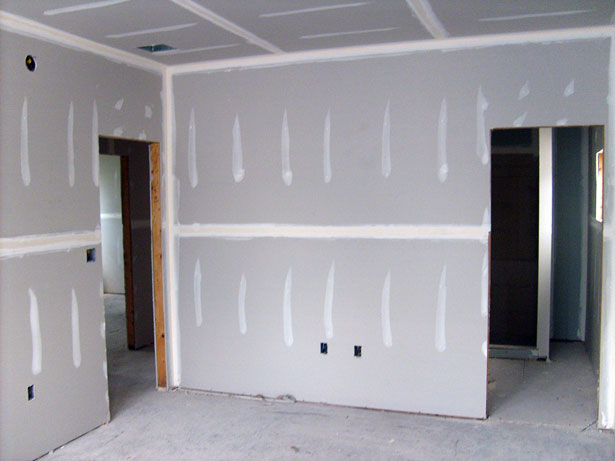 Drywall walls, which enable a cheap renovation.